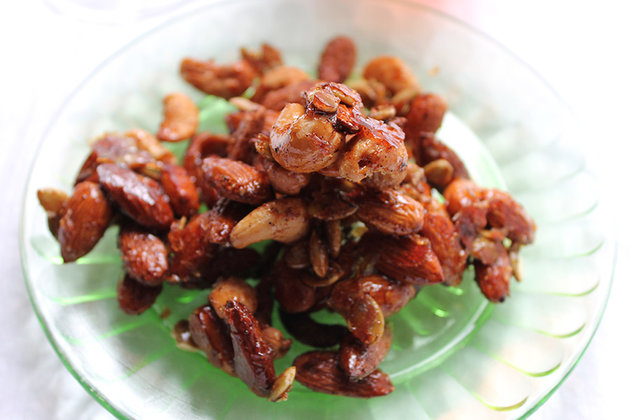 sweet-salty-roasted-cocktail-nuts-1