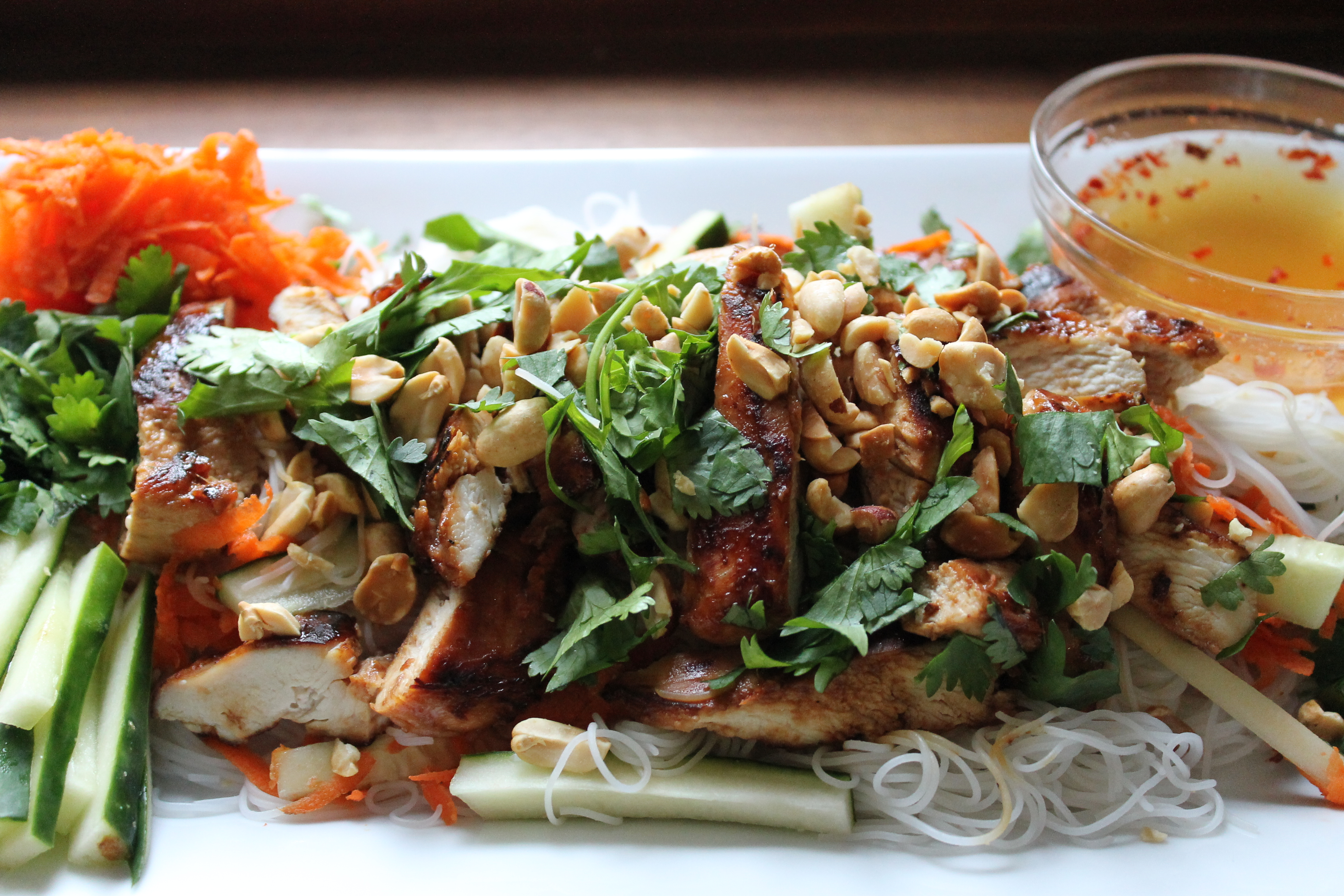 chicken + rice noodle salad | Friendly Food Snobs
